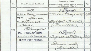 A detail from a marriage entry of 1907